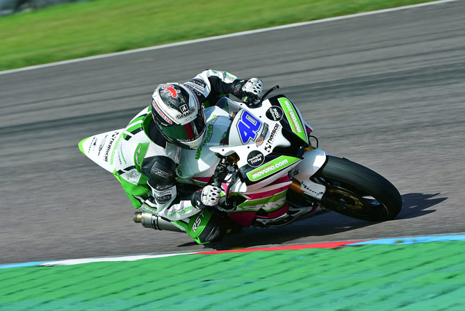 FRANCIS AND HALSALL TEAM VOW TO FIGHT ON AFTER BAD LUCK STRIKES AT THRUXTON
